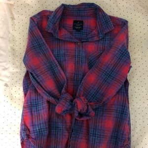 Long sleeve flannel top. Great condition.